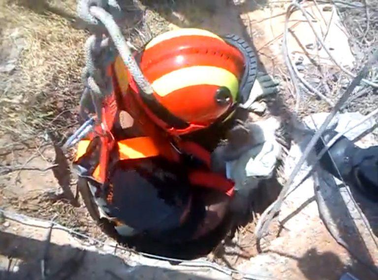 Κρήτη: Η δραματική διάσωση σκύλου, που έπεσε σε φρεάτιο-Δείτε βίντεο! | Newsit.gr