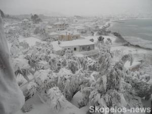 Καιρός: Χιονοθύελλα σάρωσε Σκόπελο και Αλόννησο – Νέες αποκαλυπτικές εικόνες [pics]