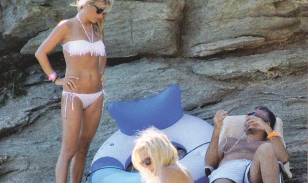 Φ. Σκορδά – Γ. Λιάγκας: Συνεχίζουν τα μπάνια τους στις παραλίες της Τήνου!   Newsit.gr