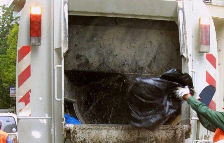 Κέρκυρα: Αλλοδαποί κλέφτες έβαλαν στόχο το… σκουπιδιάρικο! | Newsit.gr