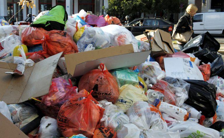 Εκδικούνται τους πολίτες, κλείνουν παιδικούς σταθμούς και δε μαζεύουν σκουπίδια! 7ημερο λουκέτο στους δήμους για τη διαθεσιμότητα   Newsit.gr