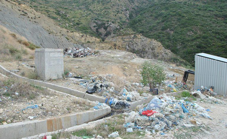Ζάκυνθος: Παραιτήθηκε το Τοπικό Συμβούλιο Καλαμακίου λόγω… σκουπιδιών | Newsit.gr