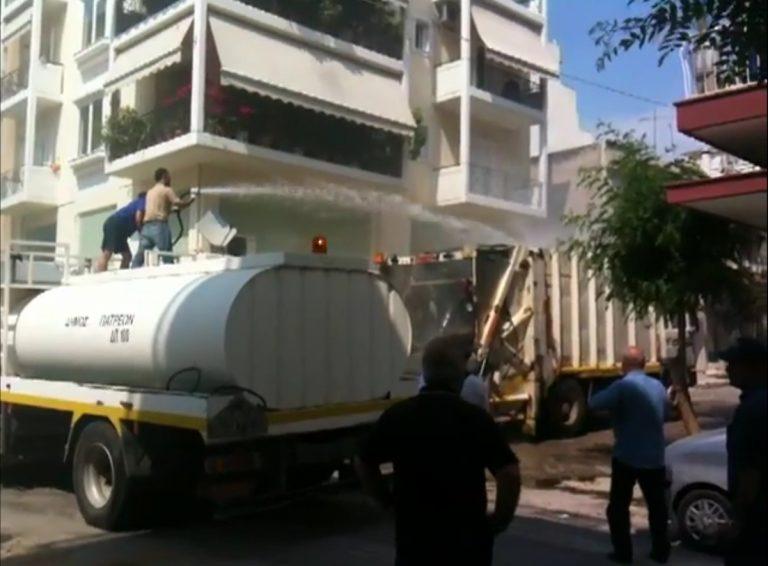 Πάτρα: Σκουπιδιάρικο πήρε φωτιά στη λαϊκή – Δείτε το βίντεο! | Newsit.gr