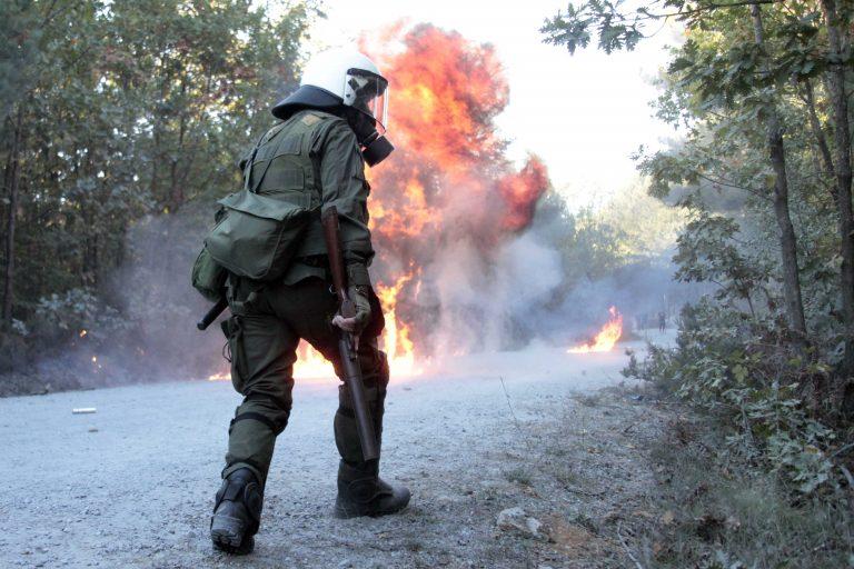 Σοβαρά επεισόδια στις Σκουριές – Απείλησαν υπαλλήλους κι έκαψαν μηχανήματα | Newsit.gr