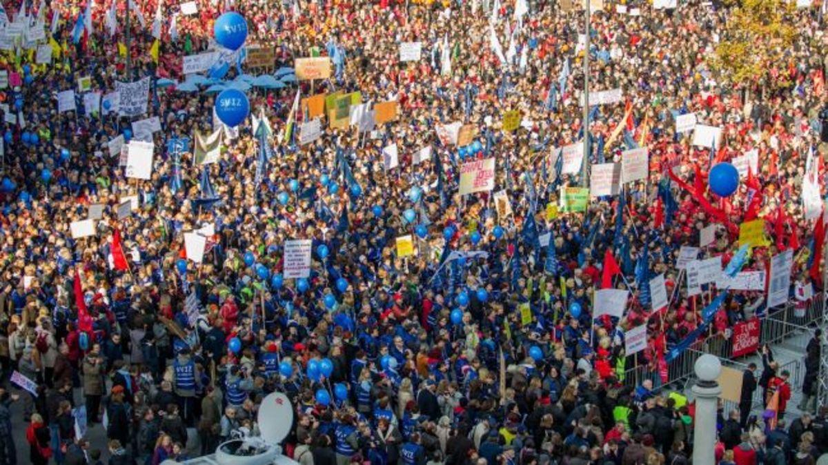 Σλοβενία: Κατεβαίνουν στους δρόμους ζητώντας την παραίτηση των πολιτικών | Newsit.gr