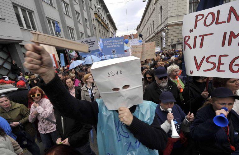 Σλοβενία: Τεράστια η συμμετοχή στη γενική απεργία για τα μέτρα λιτότητας | Newsit.gr