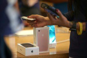 45,3 δισ. ευρώ η χασούρα από τα «μαϊμού» smartphones!