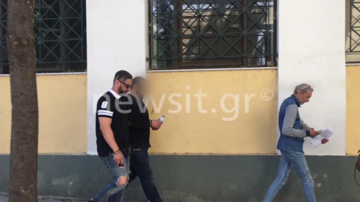 Αρνείται ο «πιστολέρο» της Νέας Σμύρνης την επίθεση σε παιδιά  – Τι λέει ο πατέρας του | Newsit.gr