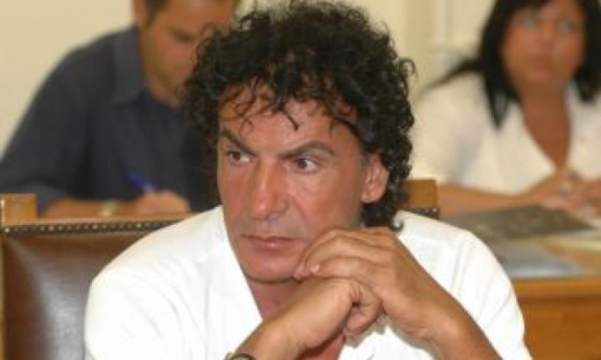Αχαϊα: Έμαθαν στην κηδεία του, το μεγάλο του μυστικό – Δείτε το βίντεο! | Newsit.gr