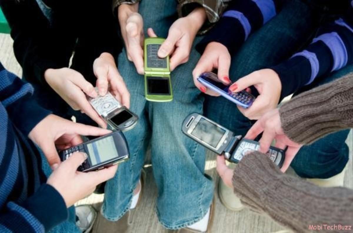 Κινητοί…κίνδυνοι για τα παιδιά τα sms! | Newsit.gr