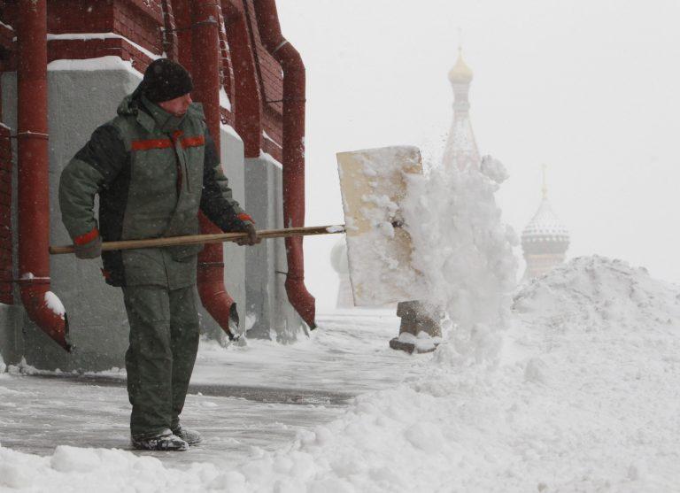 Η χειρότερη χιονοθύελλα του τελευταίου μισού αιώνα στη Ρωσία | Newsit.gr