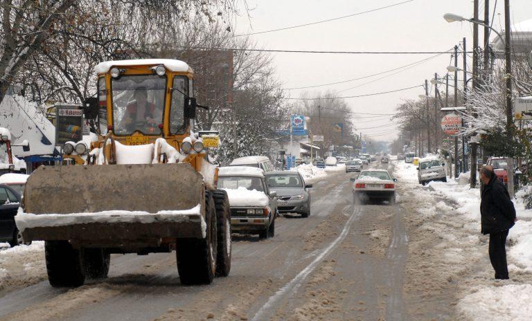 Αποκλεισμένα χωριά απο τα χιόνια – Με αλυσίδες η κίνηση σε πολλούς νομούς   Newsit.gr
