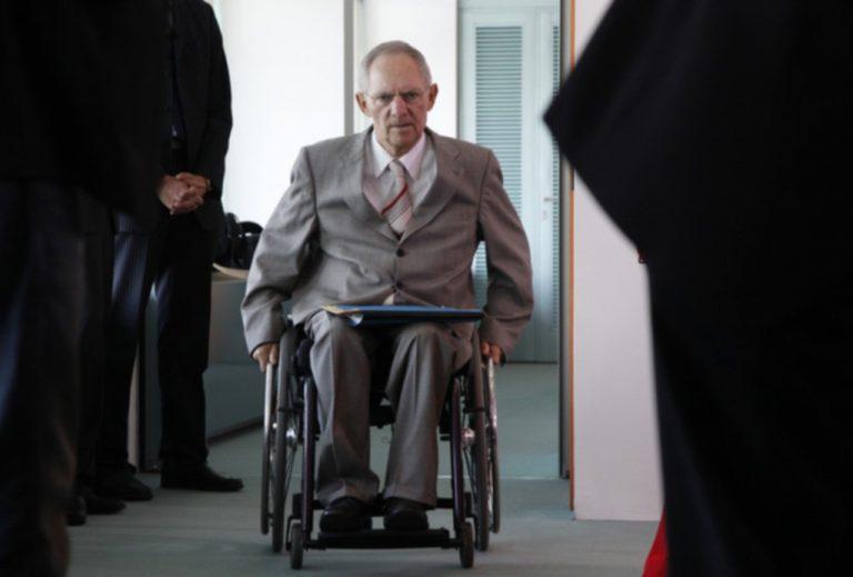 Βόλφγκανγκ Σόιμπλε: Μία σφαίρα τον άφησε παράλυτο | Newsit.gr