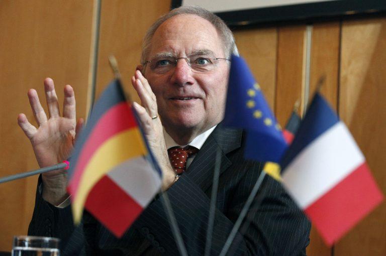 Ο Σόιμπλε συ-ζητάει την έξοδο της Κύπρου από το ευρώ | Newsit.gr