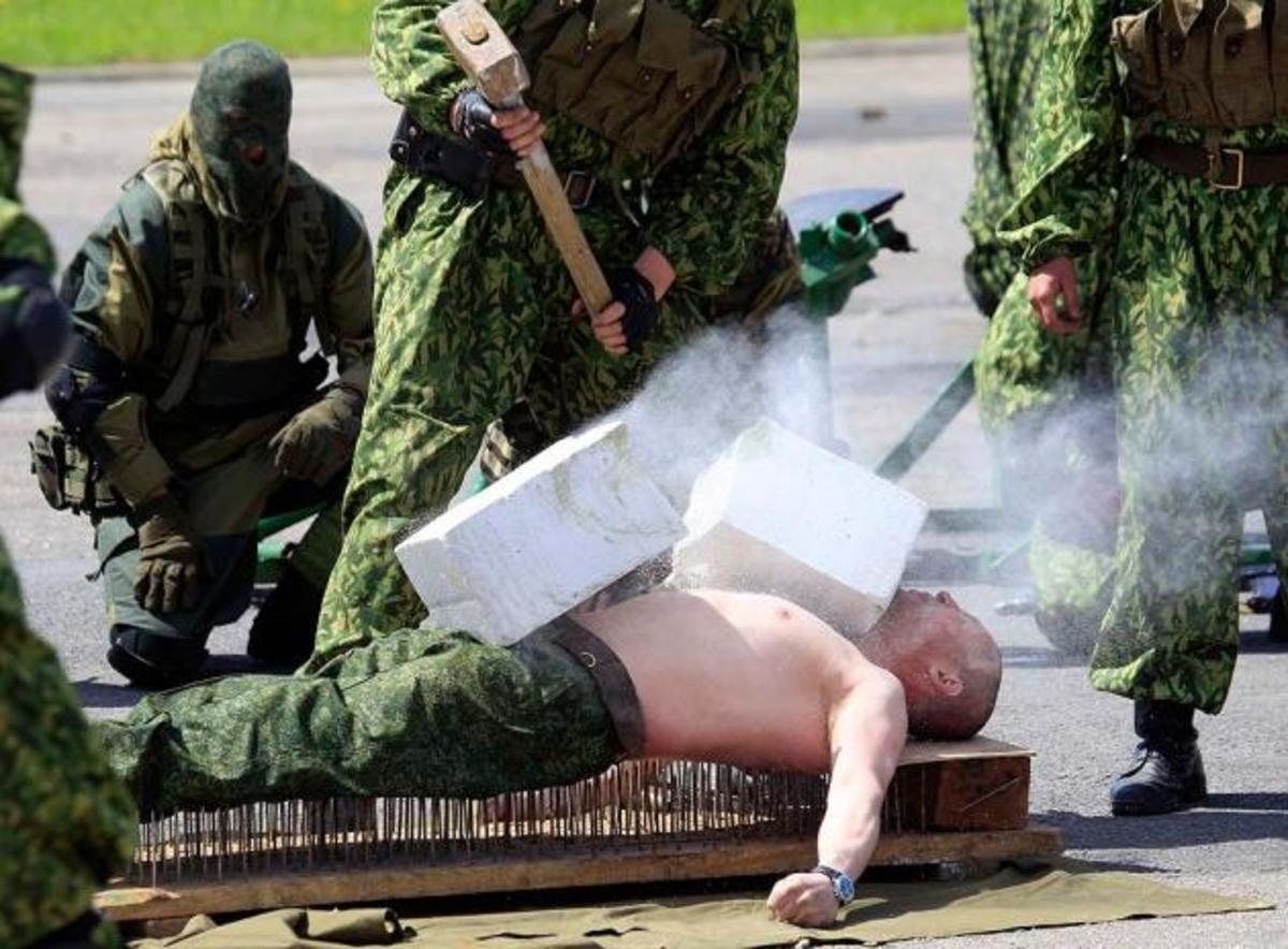 ΒΙΝΤΕΟ: Η ημέρα του άνδρα στη Ρωσία! Δείτε προτάσεις …εορτασμού! | Newsit.gr