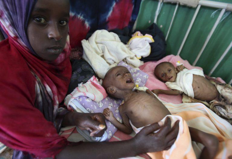 Πεθαίνοντας από την πείνα στην Αφρική – Τα παιδιά θύματα της παγκόσμιας αδιαφορίας – ΣΟΚΑΡΙΣΤΙΚΕΣ ΦΩΤΟ | Newsit.gr
