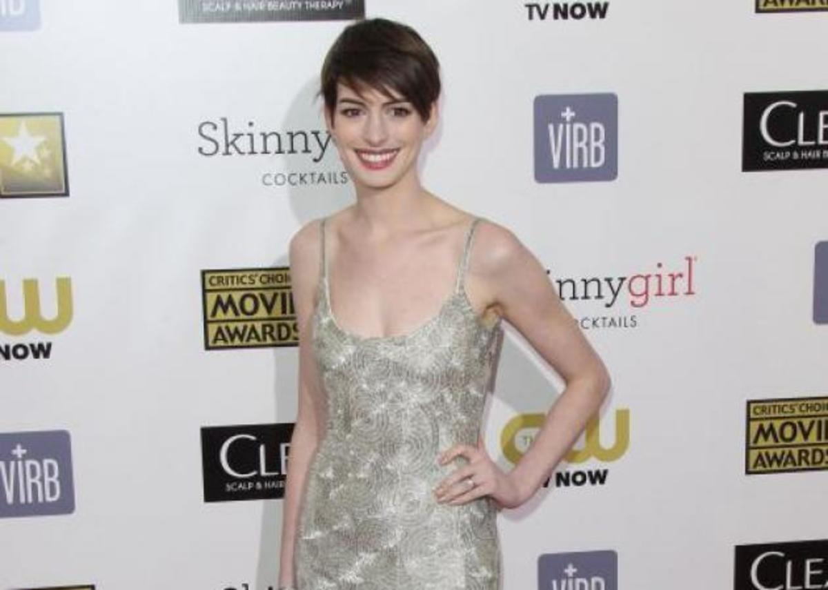 Critics Choice Awards: Τι φόρεσαν στο κόκκινο χαλί! | Newsit.gr