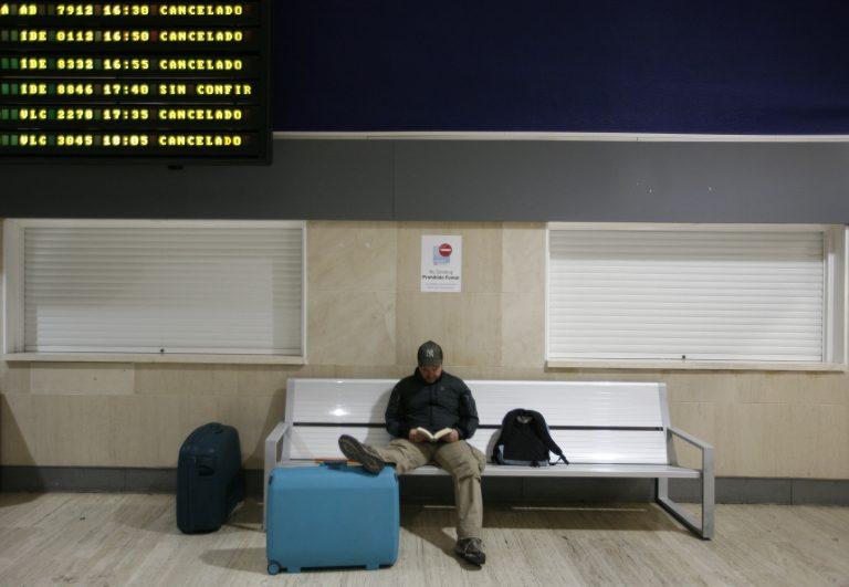 Άνοιξαν τα αεροδρόμια της Ισπανίας | Newsit.gr