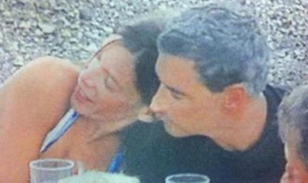 Σπηλιωτόπουλος-Λεονάρδου: Ερωτευμένοι στην Πάτμο! | Newsit.gr