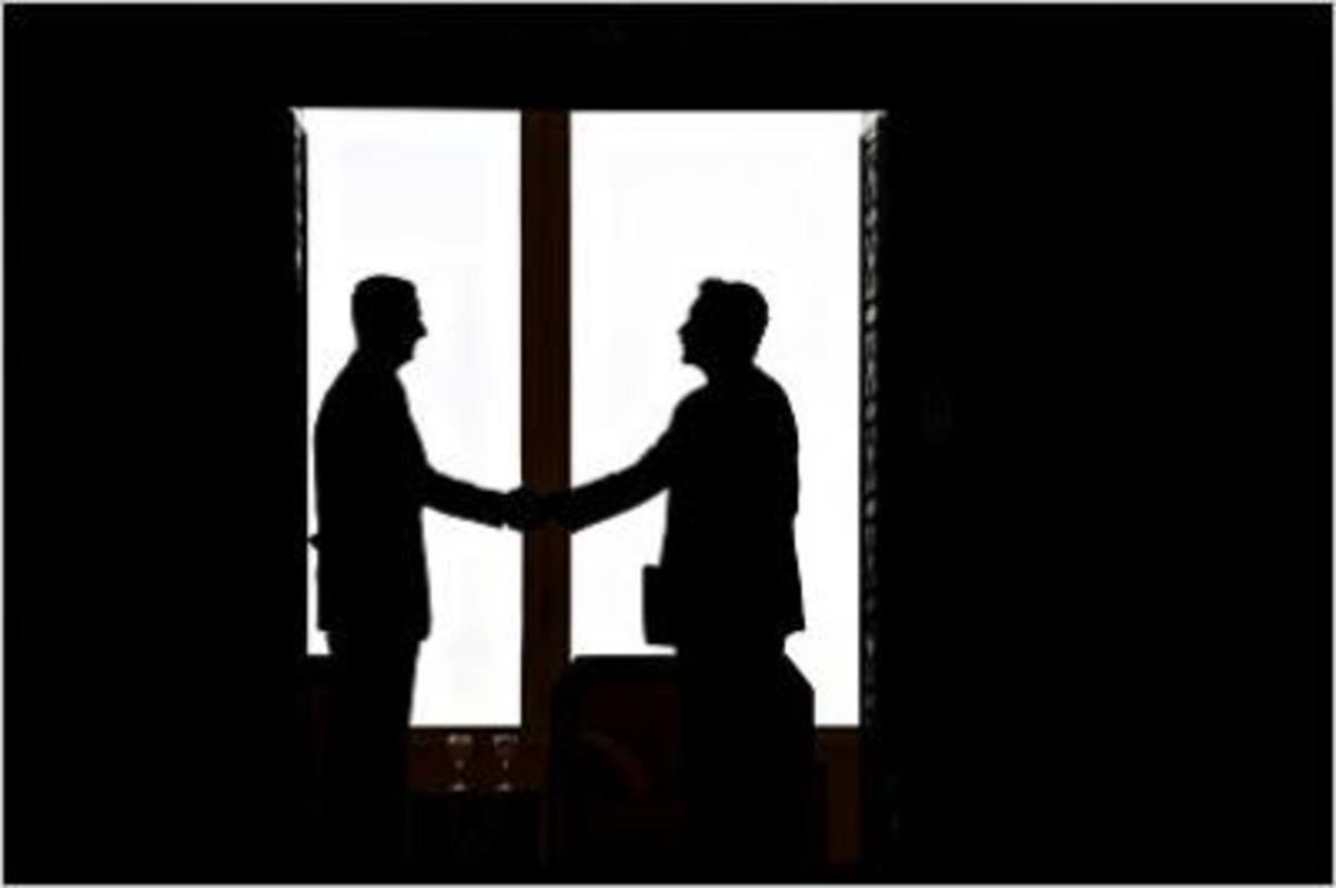 «Καυτά» μυστικά Ελλήνων πολιτικών – Έτοιμο για «ροζ» αποκαλύψεις το Wikileaks | Newsit.gr