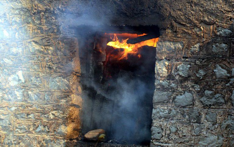 Εύβοια: Ηλικιωμένος πέθανε από ασφυξία μετά από πυρκαγιά στο σπίτι του | Newsit.gr