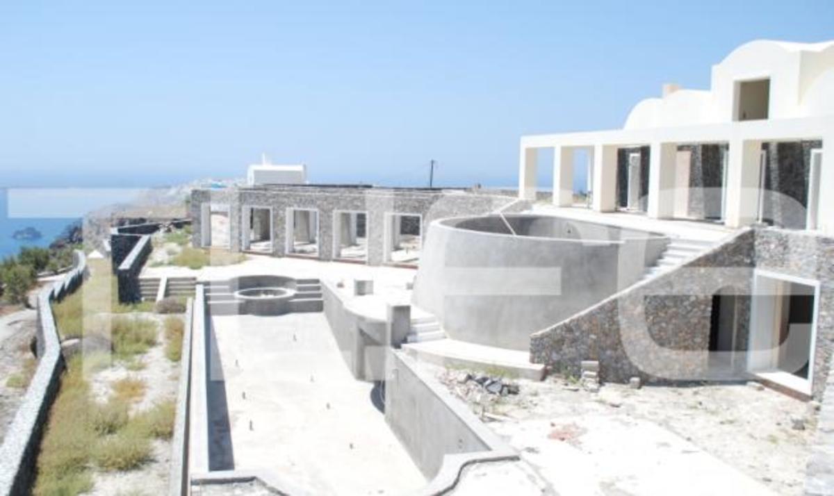 Φωτογραφίες από το σπίτι Jolie – Pitt! Αποστολή του TLIFE στη Σαντορίνη   Newsit.gr