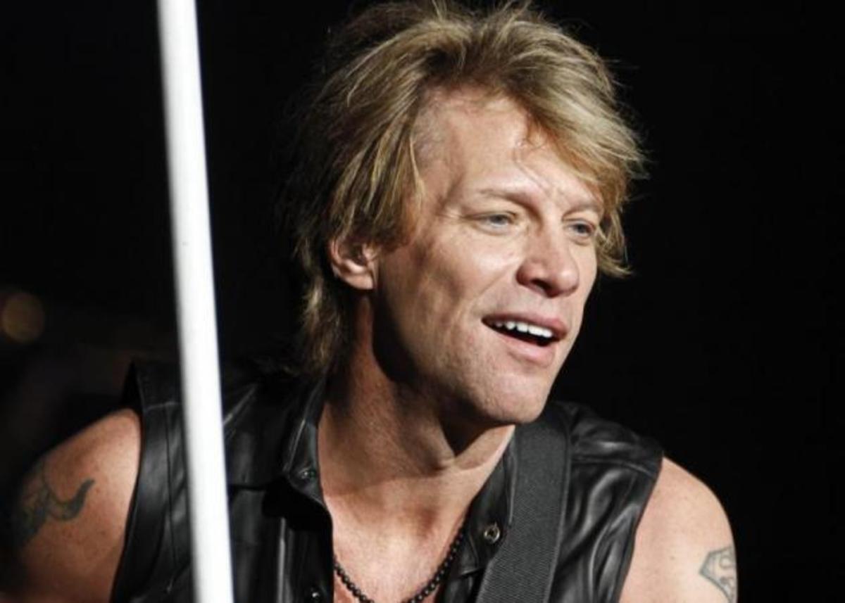 Μετά τον Brad Pitt και ο Jon Bon Jovi γίνεται πρόσωπο αρώματος! | Newsit.gr