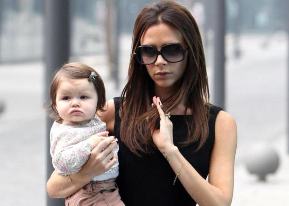 H Victoria Beckham μας δείχνει την πλεξίδα της! Σου έχουμε και άλλες! | Newsit.gr