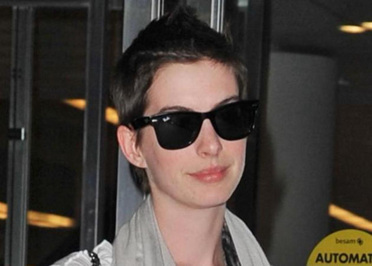 Δες το συγκλονιστικό βίντεο με την Anne Hathaway να κόβει τα μαλλιά της on camera!   Newsit.gr
