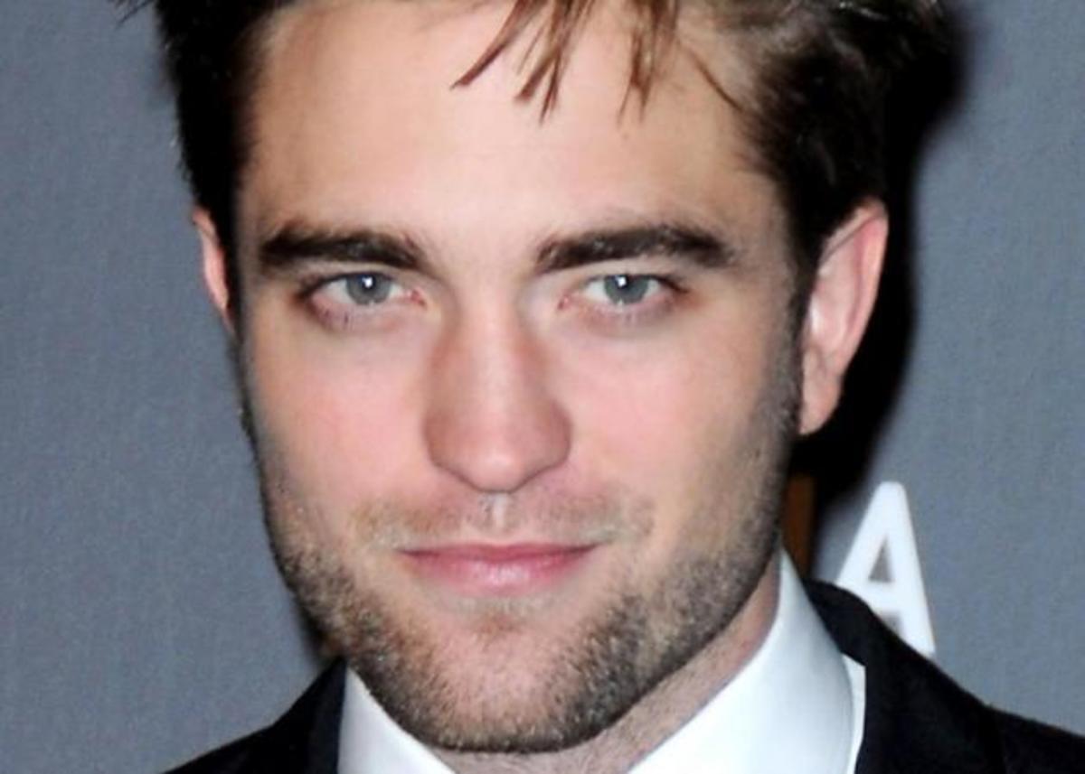 Μετά τον Brad Pitt και ο Robert Pattinson γίνεται πρόσωπο αρώματος! | Newsit.gr