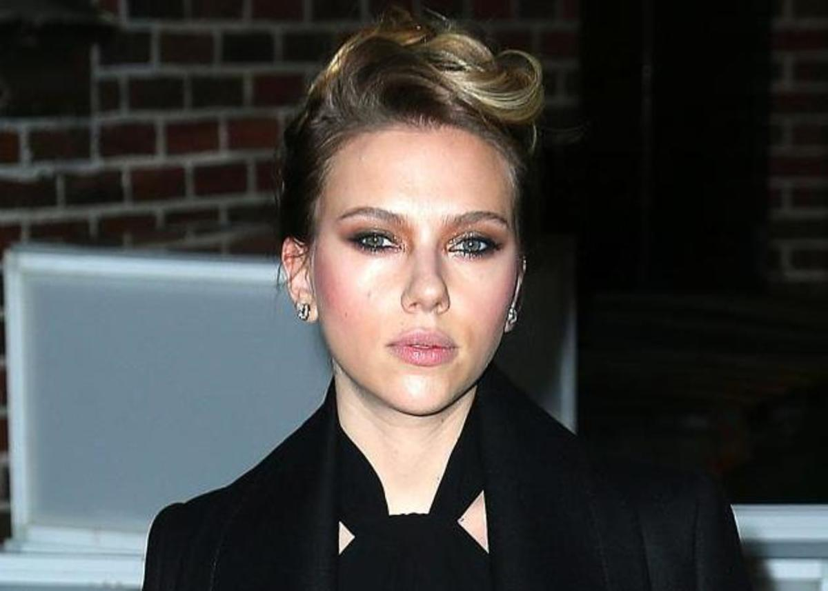 Το μυστικό της Scarlett Johansson με το ροδόνερο και πώς το χρησιμοποιεί! | Newsit.gr