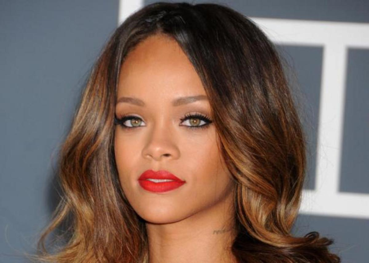 Και το κραγιόν που φόρεσε η Rihanna στα Grammy είναι… | Newsit.gr