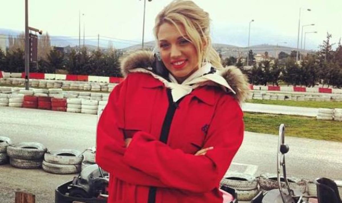 K. Σπυροπούλου: Φόρεσε στολή κι έγινε οδηγός καρτ! | Newsit.gr