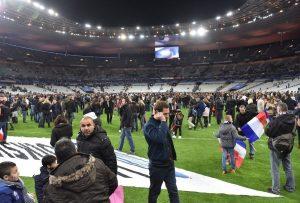 Έκαναν τα… θύματα των επιθέσεων στο Παρίσι, αποζημιώθηκαν και τώρα φυλακίζονται