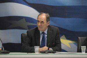 Σταθάκης: Θα βρεθεί λύση για το ΕΚΑΣ – Προς άρση των capital controls