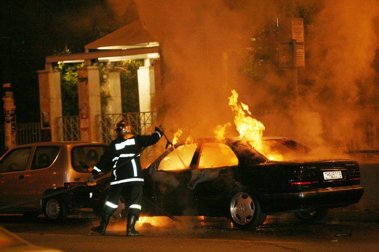 «Στάχτη» πολυτελές αυτοκίνητο στο Ρέθυμνο | Newsit.gr