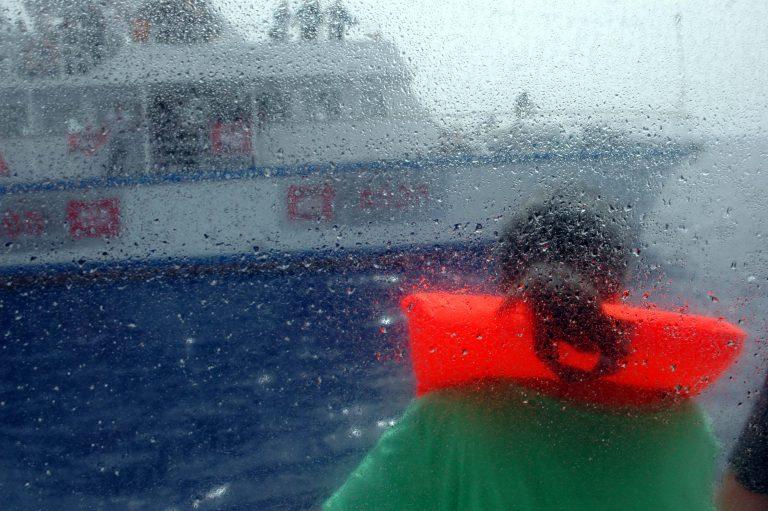 Ανάγκασαν τον στολίσκο για τη Γάζα να επιστρέψει στο λιμάνι   Newsit.gr