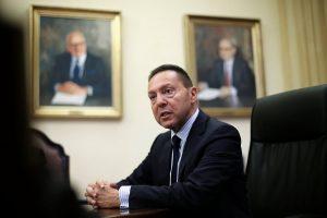 Στουρνάρας στο Reuters: Έρχεται νέα χαλάρωση των capital controls