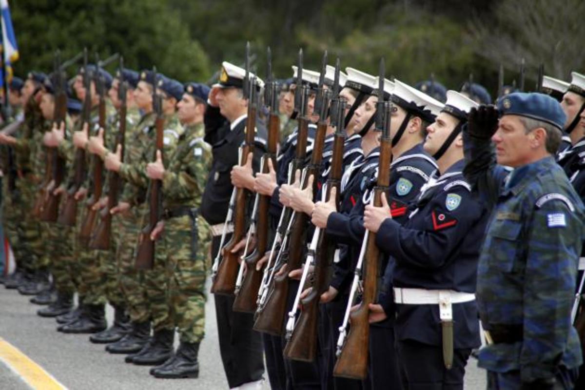 «Αντίο οδοιπορικά» για τους στρατιωτικούς – Δείτε τι προβλέπεται για το 2013   Newsit.gr
