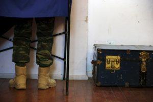 """Εκλογές 2015: Τι δείχνει η """"χακί δημοσκόπηση""""; Τι σκέφτονται οι στρατιωτικοί;"""