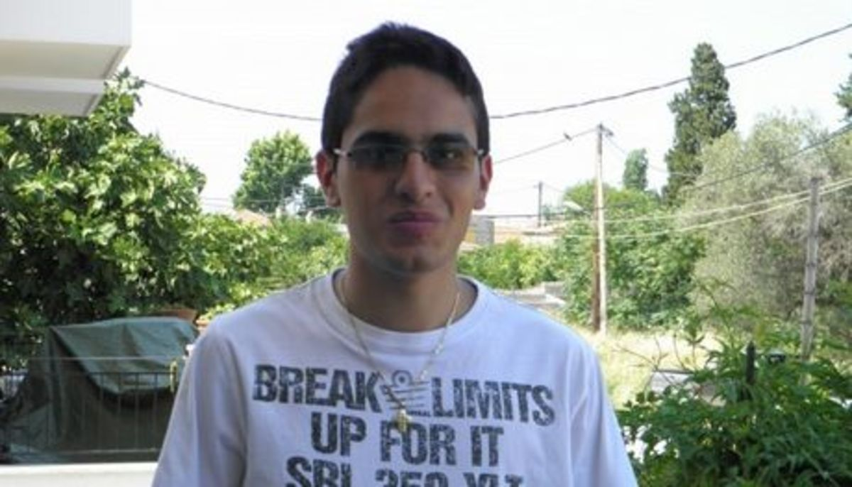 Ένας τυφλός μαθητής από τη Μυτιλήνη έγραψε 20 σε όλα τα μαθήματα στις πανελλαδικές   Newsit.gr