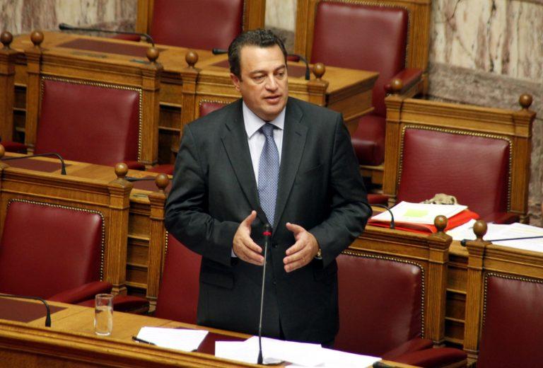 Παίρνει πίσω ο Στυλιανίδης το έγγραφο για τα στοιχεία των αλλοδαπών νηπίων | Newsit.gr