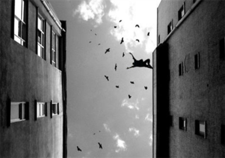 Πάτρα: Ξύπνησε, βγήκε στο μπαλκόνι και βούτηξε στο κενό!   Newsit.gr