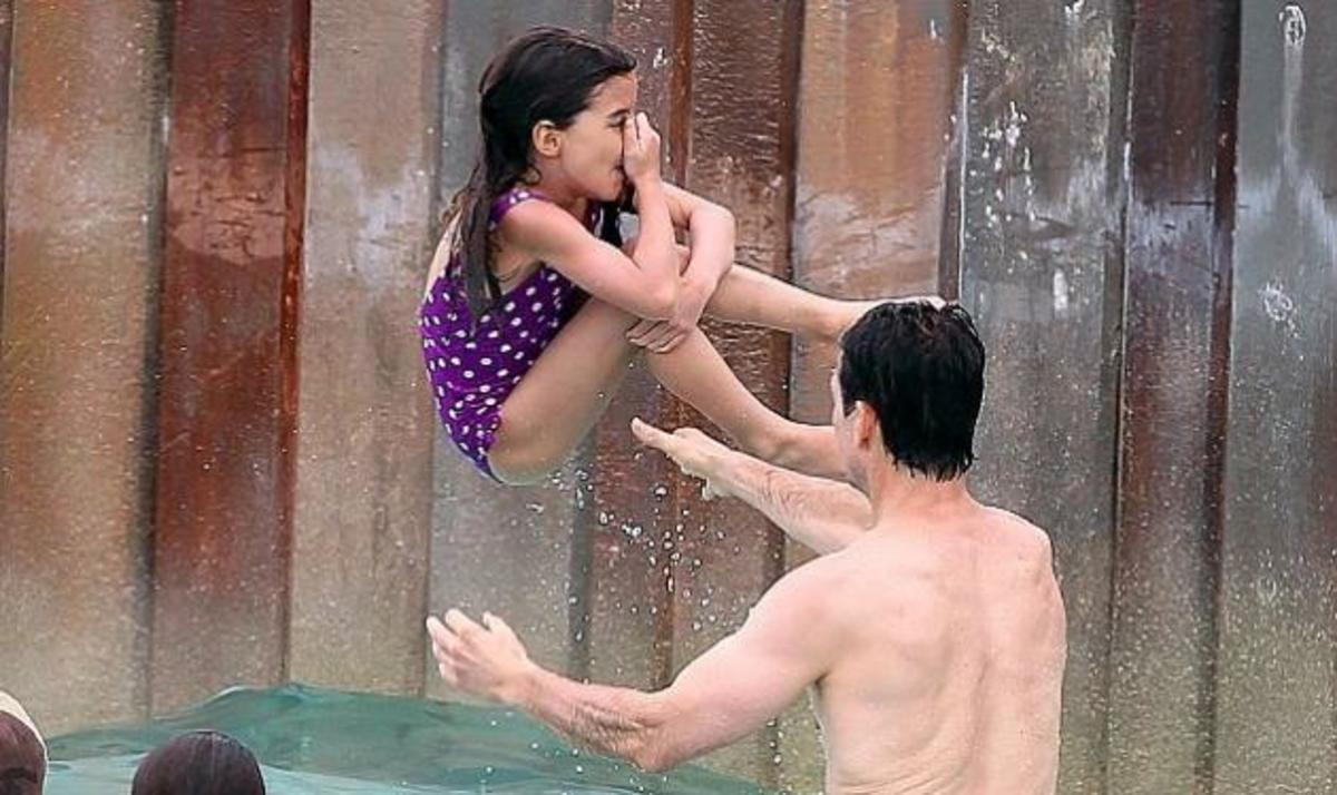 Νέες φωτογραφίες από τις διακοπές της Suri με τον Tom Cruise!   Newsit.gr