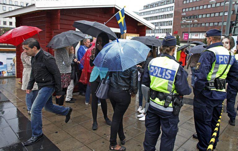 Σουηδία: Αυξήθηκε το επίπεδο επιφυλακής | Newsit.gr
