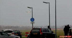 Τρόμος στον αέρα! Οι άνεμοι «απαγόρευσαν» την προσγείωση [vid]
