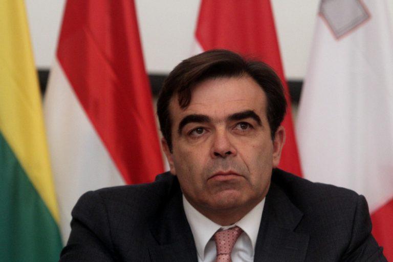 Μαργαρίτης Σχοινάς: Ο γιος των δημοσίων υπαλλήλων από την Χαλκιδική που έγινε εκπρόσωπος του Γιούνκερ | Newsit.gr