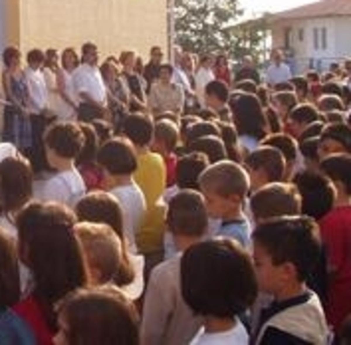 Τρελάθηκε ο διευθυντης,έκλεισε στην αποθήκη ολόκληρη τάξη δημοτικού σχολείου | Newsit.gr