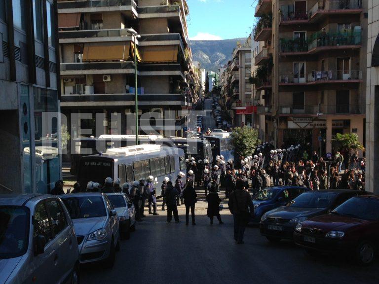 Ολοκληρώθηκε η αντιφασιστική πορεία στους Αμπελόκηπους – ΦΩΤΟ | Newsit.gr