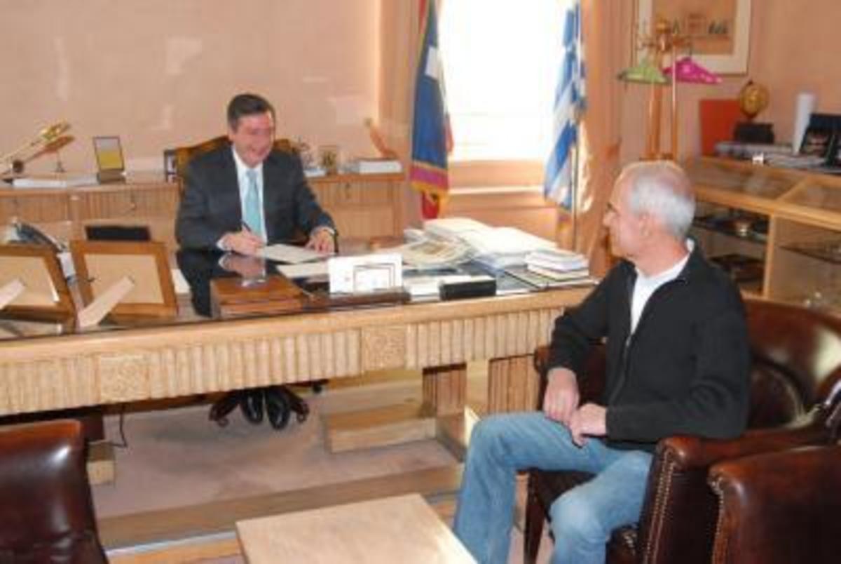 Υπογράφηκε το πρώτο Σύμφωνο Συμβίωσης μεταξύ δυο ανδρών στην Αθήνα! | Newsit.gr